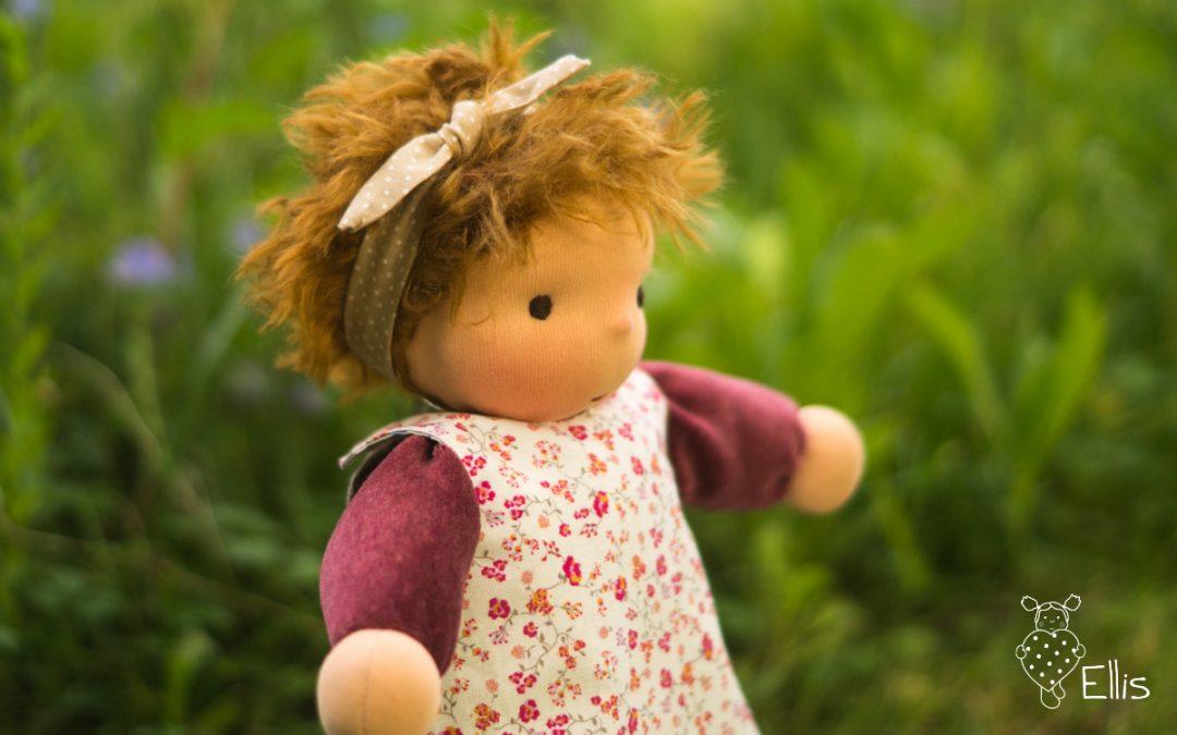 """Freebie Puppenhaarband """"Knoti"""" – nicht nur für Schmuseherzen"""