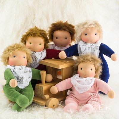 Puppe nach der Waldorfpuppe aus weichem Nicki für Kleinkinder ab 1 Jahr