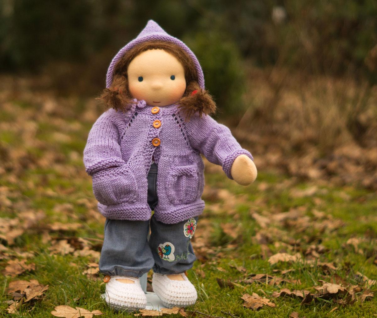 die richtige Puppe für dein Kind ab 3 Jahre ist eine Puppe zum An-und Ausziehen aus Stoff nach Art der Waldorfpuppe