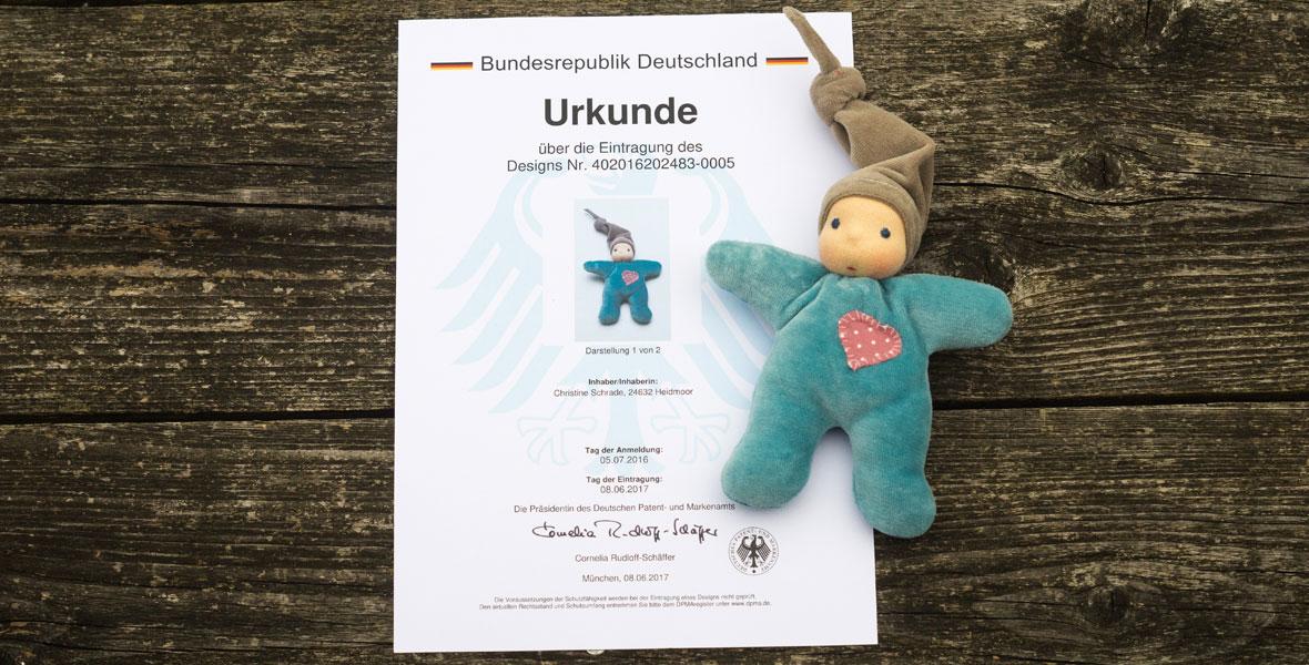 Designurkunde für Ellis Kuschelpuppen Miniherz