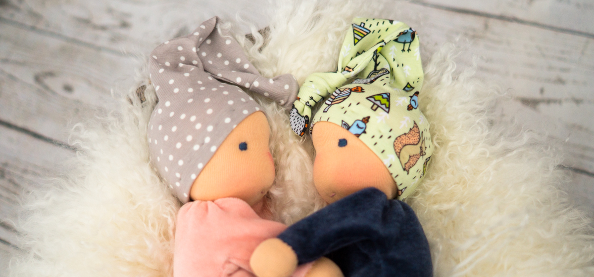 Kleine Stoffpuppen aus Nicki - Puppen für Babys